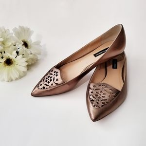 TOWN SHOES Pointed Toe Flats Gold Size 8.5